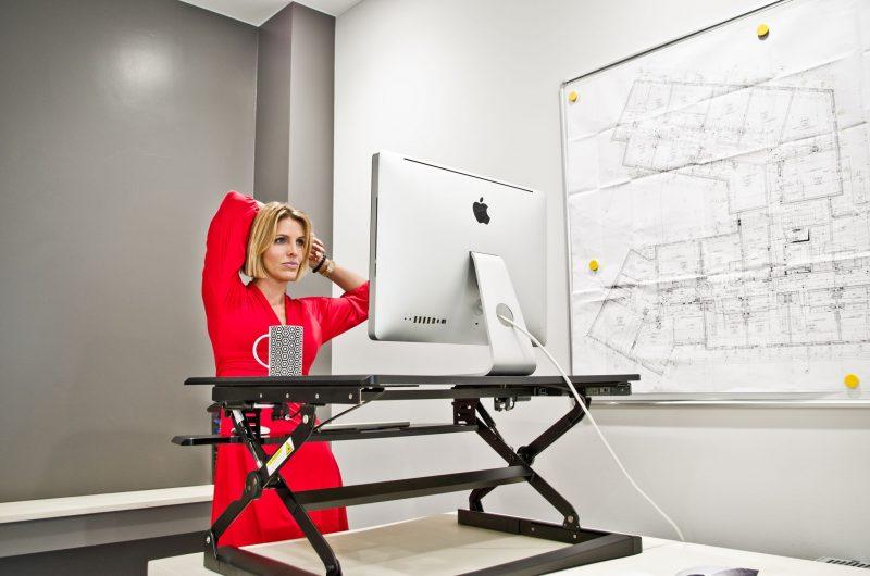 biurka-regulowane-elevodesk