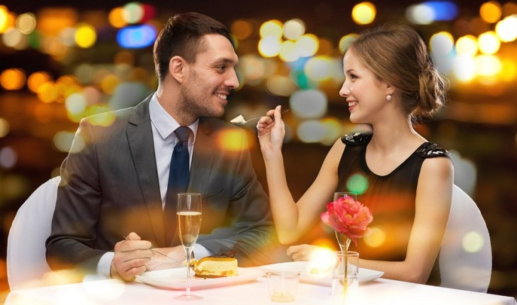 couple-on-a-romantic-date-e1415925732177