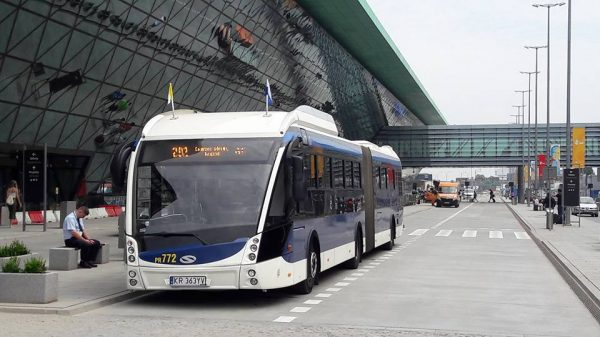 autobusy-do-krakow-airport-zmiany_1470225153