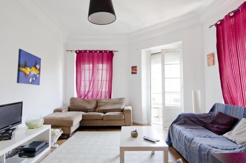 6-room-flat-center-lisbon-fully-furnished-new-484941ccec467d4e5404dec6b47c1b1f