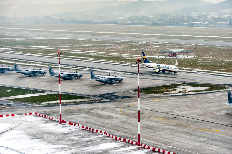 PHOTO KRZYSZTOF KALINOWSKI LOVEKRAKOW.PL KRAKOW 2018-02-12 WIEZA KONTROLI LOTOW NA KRAKOW AIRPORT