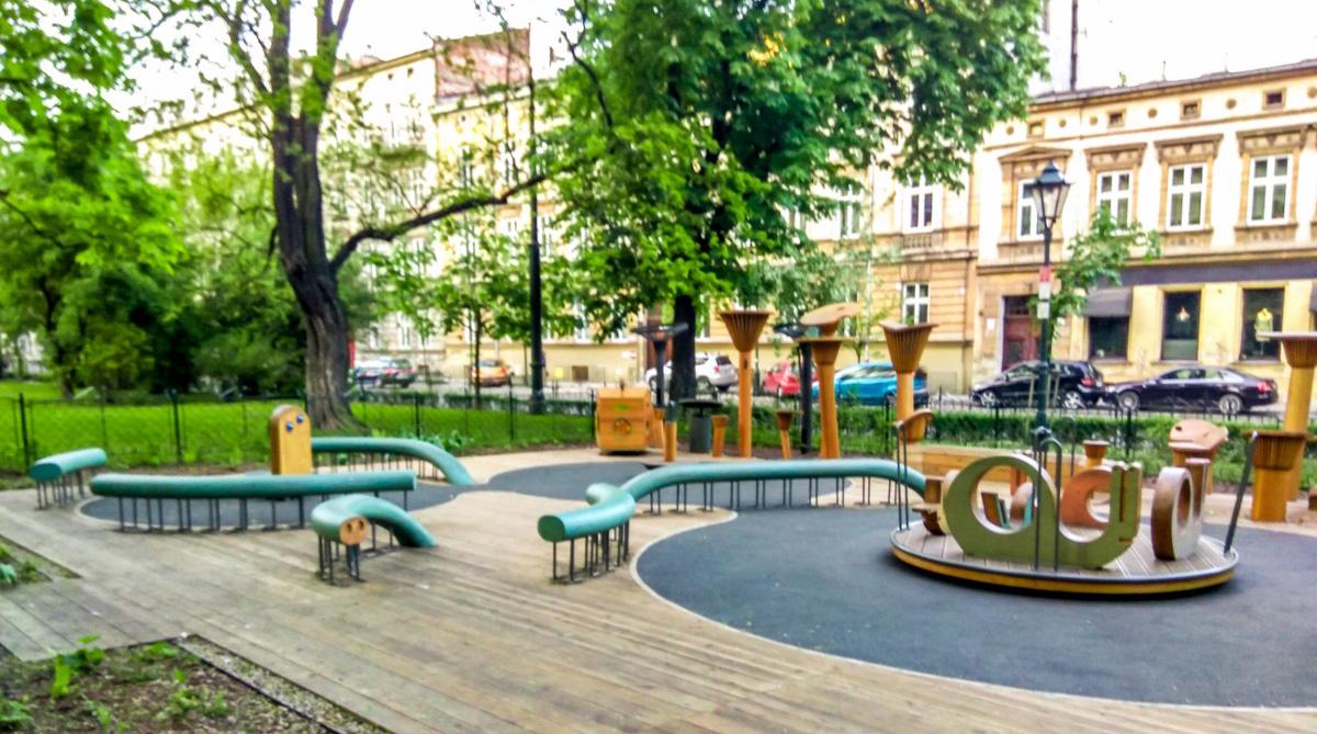 plac_zabaw_dla_dzieci_w_krakowie_na_plantach