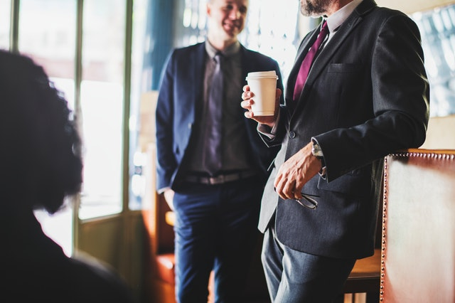 break-businessman-chatting-1571149