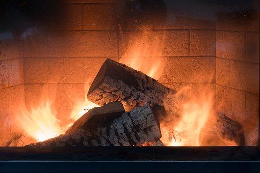 fireplace-3996248__340