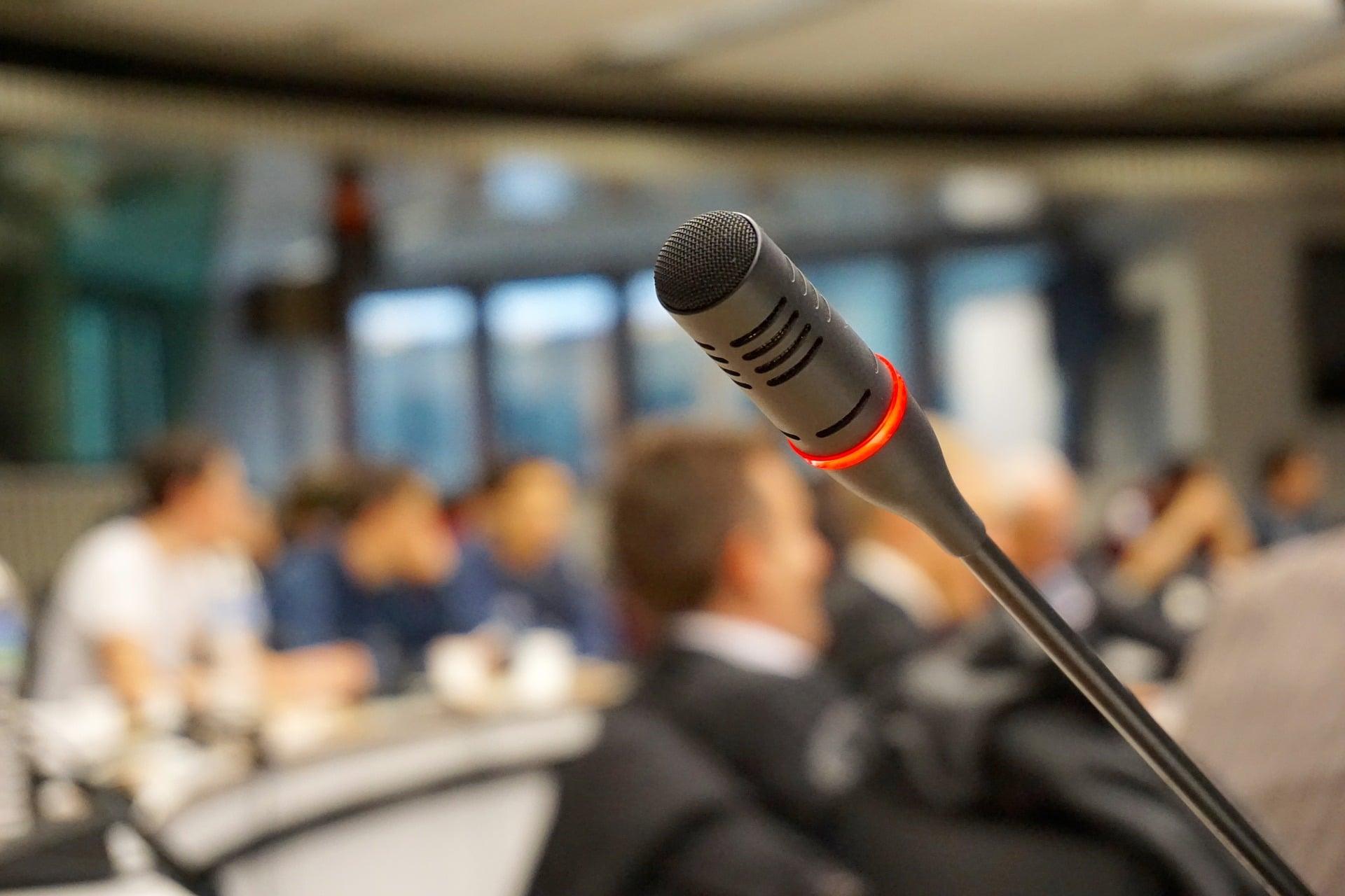 microphone-704255_19201