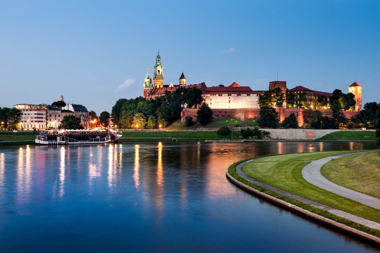 Poland, Krakow, Wawel at night