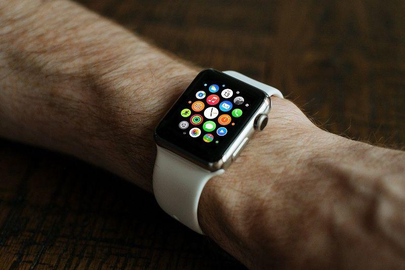 smart-watch-821559-1280_800x533