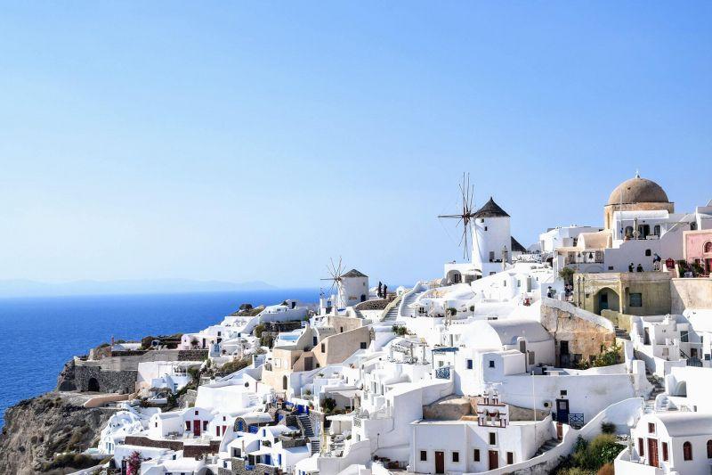 Santorini-wakacje-w-Grecji_800x533